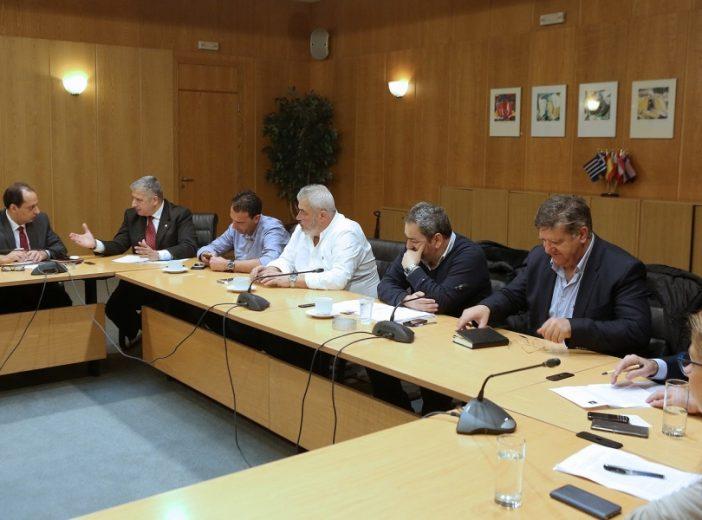 Συνάντηση ΚΕΔΕ – Σπίρτζη για αλλαγές στον Νόμο περί δημόσιων συμβάσεων έργων