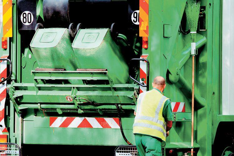Παραμονή έως και τον Μάιο του 2018 των 25 συμβασιούχων καθαριότητας του Δήμου Λαυρεωτικής