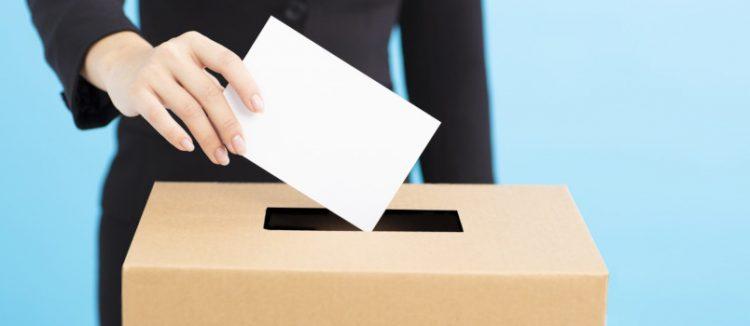 Πολίτες της Ευρωπαϊκής Ένωσης μπορούν για πρώτη φορά να ψηφίσουν για τα αξιώματα του Δημάρχου, του Δημοτικού Συμβούλου και του μέλους του περιφερειακού συμβουλίου