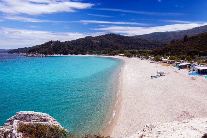 Στήριξη της Χαλκιδικής ως τουριστικού προορισμού αποφασίστηκε σε ευρεία σύσκεψη στο υπουργείο Τουρισμού