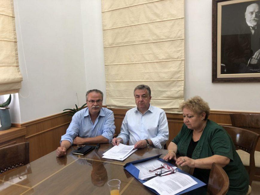 Υπογραφή ΤΔΕ Δήμου Πλατανιά από τον Περιφερειάρχη Κρήτης