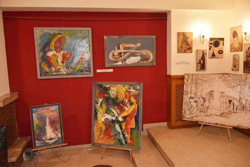 Στο Φουαγιέ του Δημοτικού Θεάτρου Ν. Μουδανιών η Ομαδική Έκθεση του Συλλόγου Καλλιτεχνών Εικαστικών Τεχνών Χαλκιδικής
