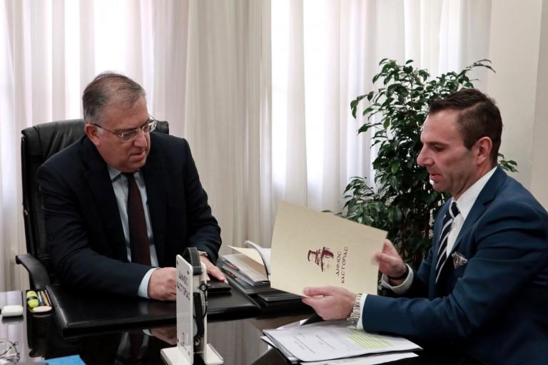 Τον Δήμαρχο Καστοριάς επισκέφθηκε ο Υπουργός Εσωτερικών