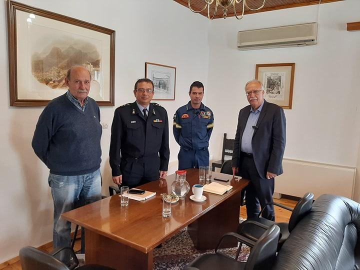 Συνάντηση με τον Διοικητή των Πυροσβεστικών Υπηρεσιών του νομού Αχαίας είχε ο Δήμαρχος Καλαβρύτων